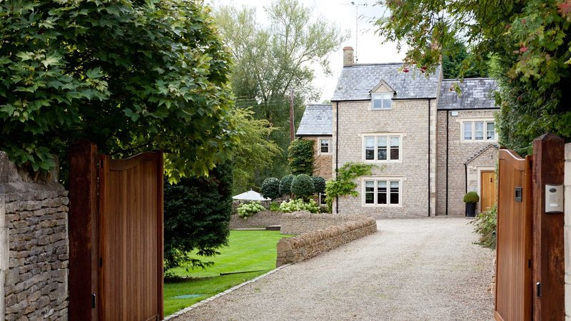Stylish & Contemporary House in the Cotswolds, holiday rental in Adlestrop