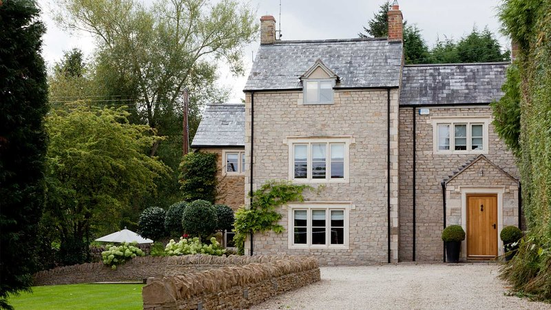 Stylish & Contemporary House in the Cotswolds, vacation rental in Upper Oddington
