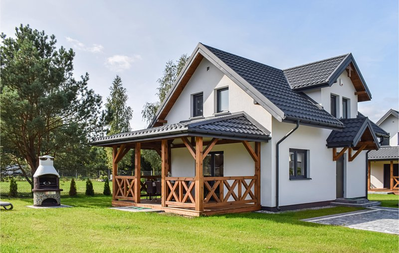 Amazing home in Zalewo with 3 Bedrooms (PMA838), holiday rental in Kretowiny