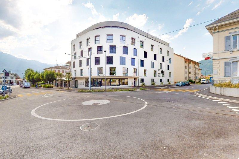 Furnished Studio #006 - Swiss Resort Aigle, aluguéis de temporada em Aigle