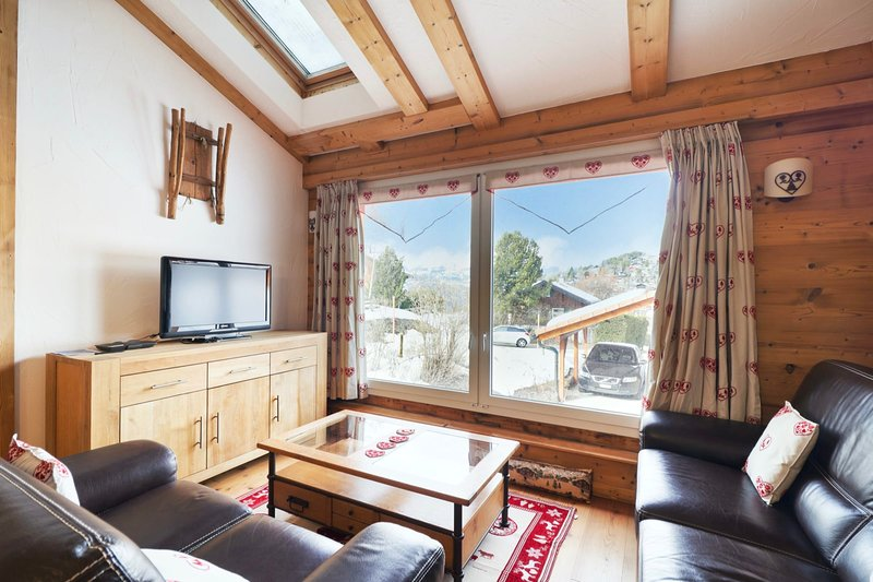 Splendid chalet in the centre of Vercorin, holiday rental in Granges