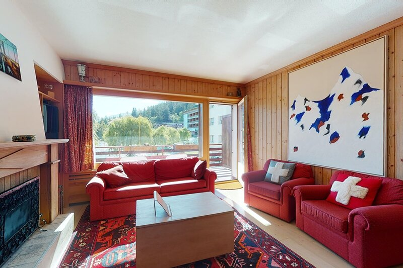 Beautiful apartment in the center of Crans-Montana with a large balcony, casa vacanza a Crans-Montana