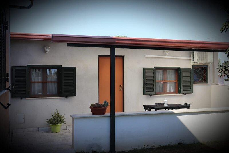 Guest  House Orchidea, un'oasi di relax a 5 minuti dal Borgo di Nettuno., casa vacanza a Nettuno