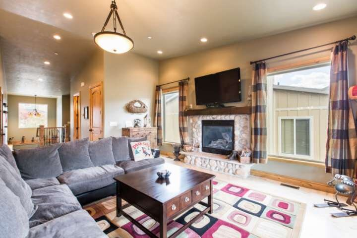 This 3,200 sq foot home is perfect for families and memorable ski trips!