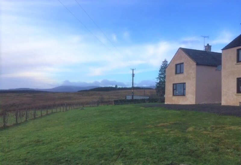 Carminnows Cottage, idyllic countryside location, hot tub and stunning views., casa vacanza a New Cumnock