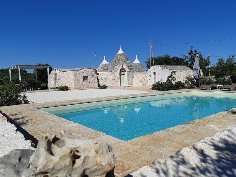 ANTICO TRULLO ULMO private pool + Wi-fi free, alquiler de vacaciones en Ceglie Messapica