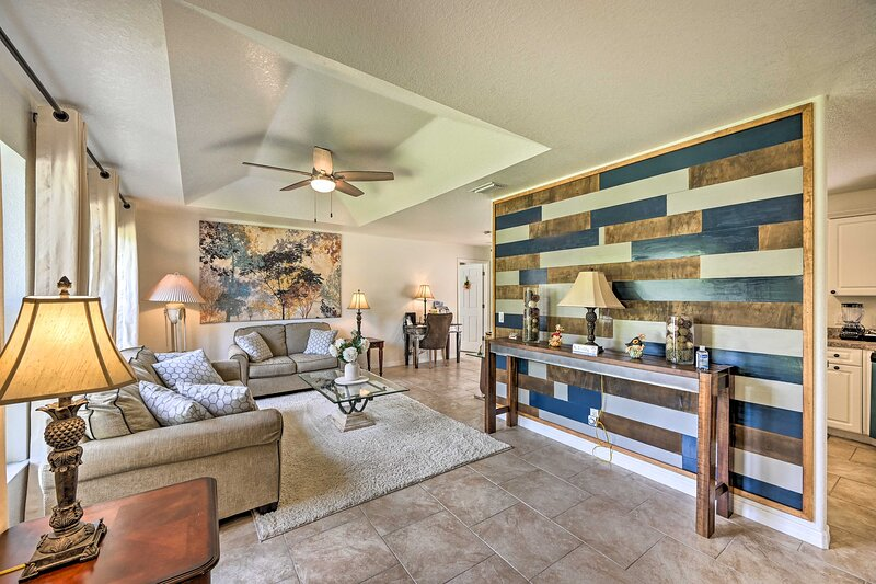 NEW! North Port House w/ Sunroom, Prime Location!, holiday rental in Fort Ogden