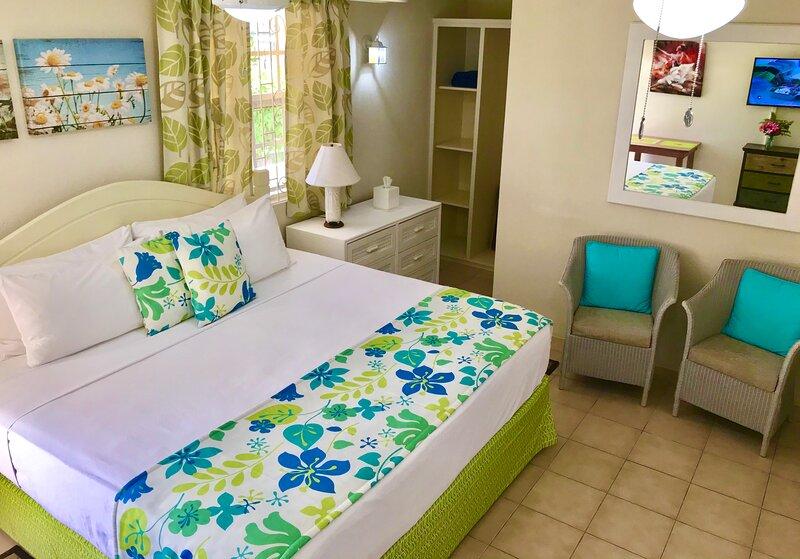 Villa Mia Studio 2 Near Miami Beach, location de vacances à Oistins