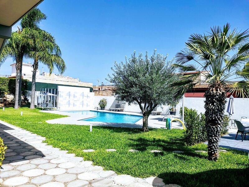 Casa vacanze Antonella in villa. A soli 150 m dalla spiaggia Tremoli., casa vacanza a Capo Negro