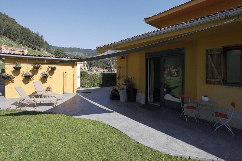 Castro Eco 10 - Vivienda Vacacional - Castro Urdiales, holiday rental in Miono