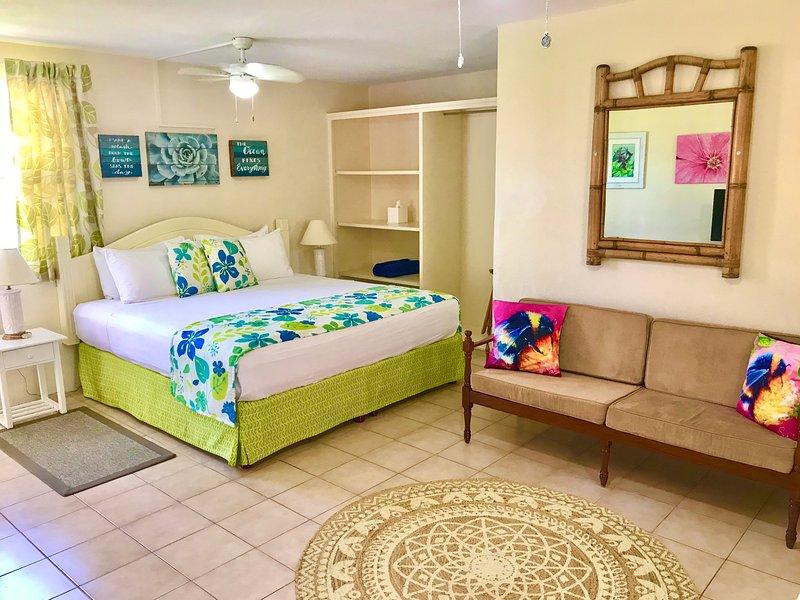 Villa Mia Studio 3 Near Miami Beach, holiday rental in Oistins