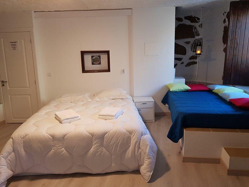 Casa Bento Teixeira, vacation rental in Peraboa