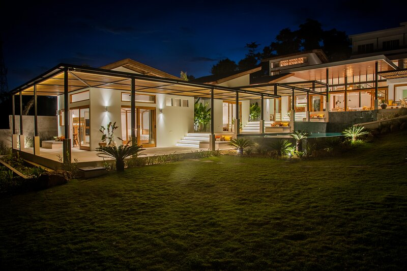 ★Villa Serena | ♕Sustainable 4BR | Pool | Sea View, holiday rental in Kuta