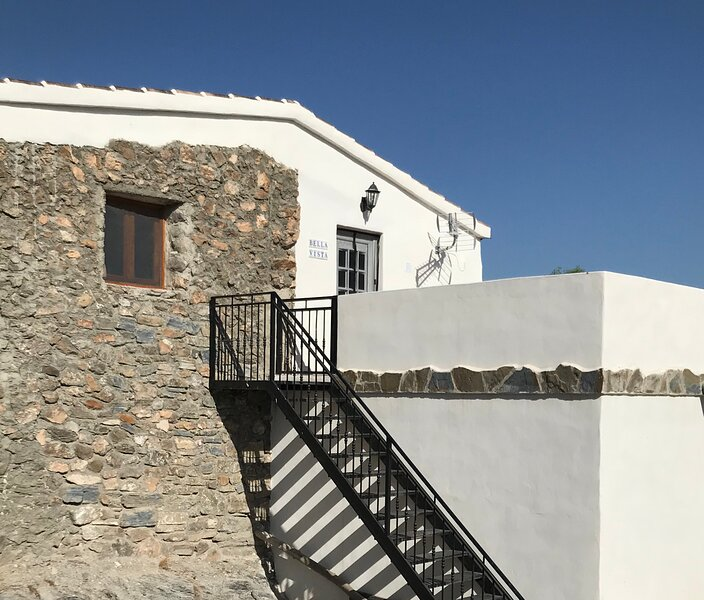 Cortijo Alto Rural Retreat, holiday rental in Arboleas
