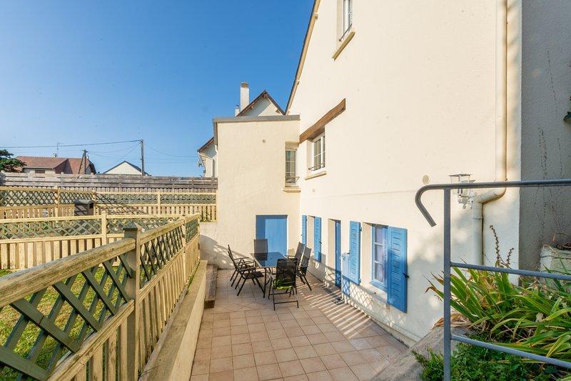Gîte des Isles - Maison et jardin - Grand Plage à 150 m, holiday rental in Jersey