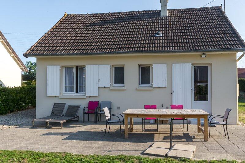 Gîte des Petites Isles - Maison et jardin - plage à 200 m, holiday rental in Jersey