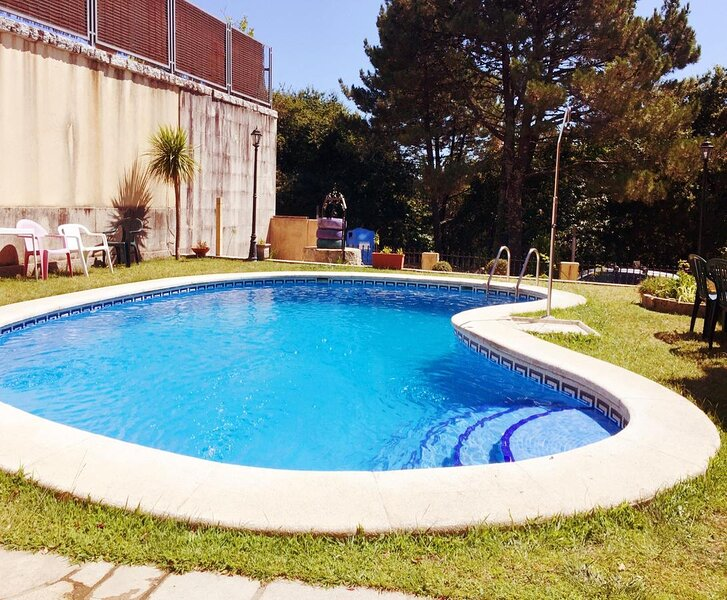 Amazing chalet with swimming-pool, vakantiewoning in Combarro