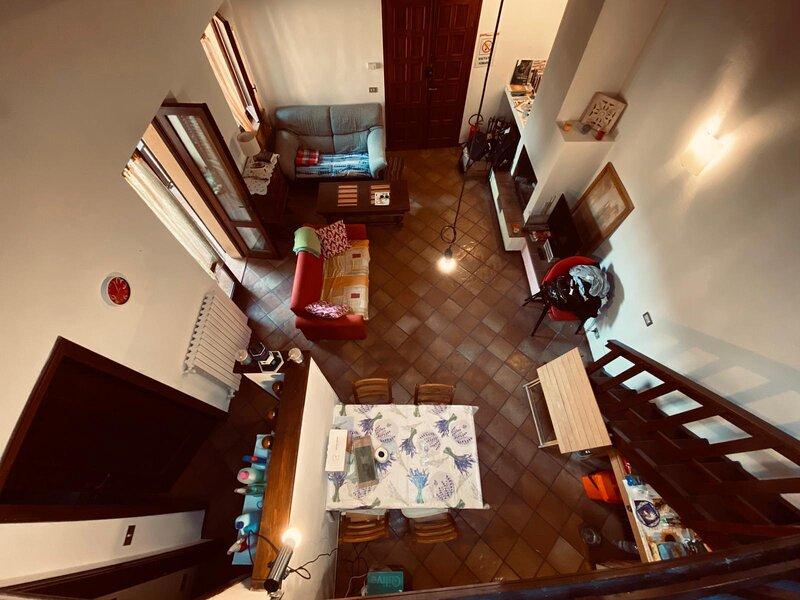 Casa indipendente a Gardone Riviera vicino al Vittoriale, holiday rental in Gardone Riviera
