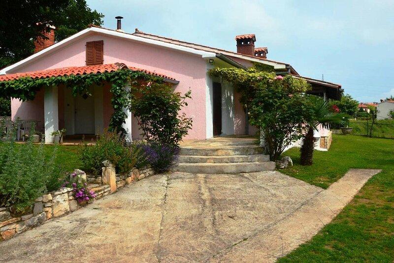 Holiday home Eda, location de vacances à Jurazini