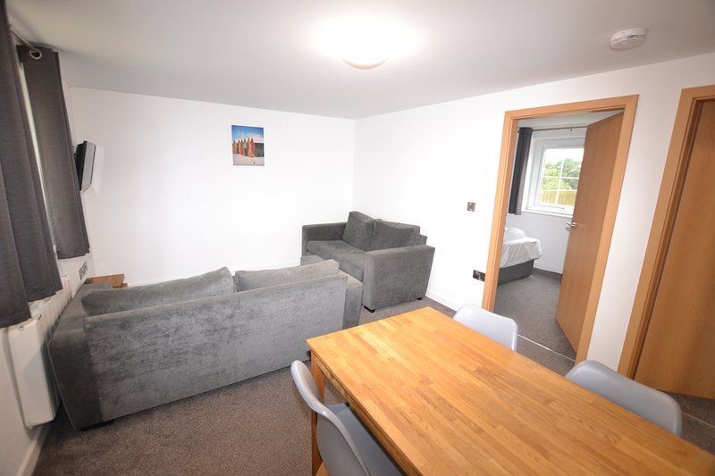 Quality flat with indoor pool access, holiday rental in Ilfracombe