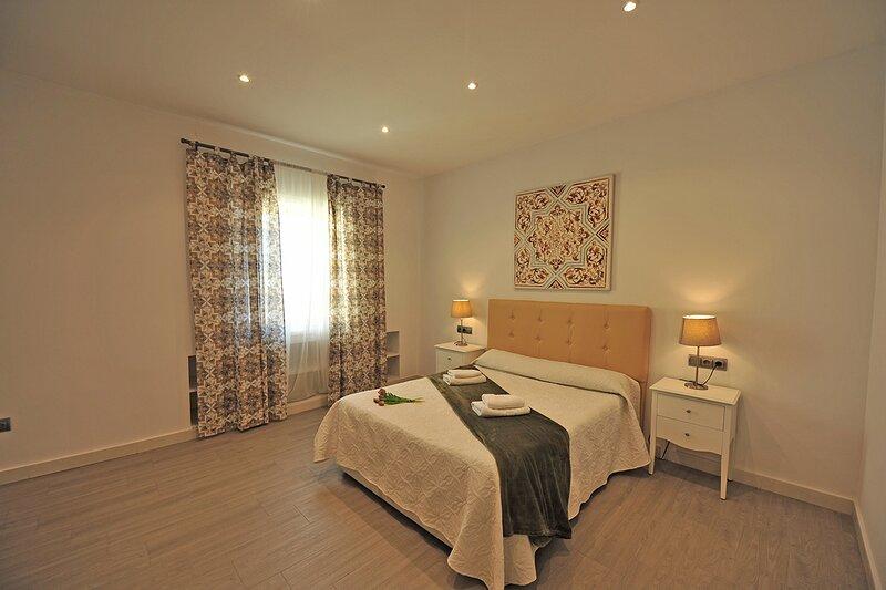 Terrazas Plaza Arenal 5 Dormitorios 4 baños, holiday rental in Jerez De La Frontera