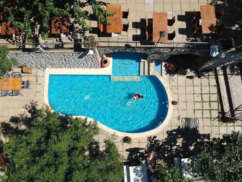 Beautiful apt with shared pool, holiday rental in Serra San Bruno