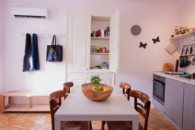 Casa Trafori - urban holiday home, vacation rental in Bale