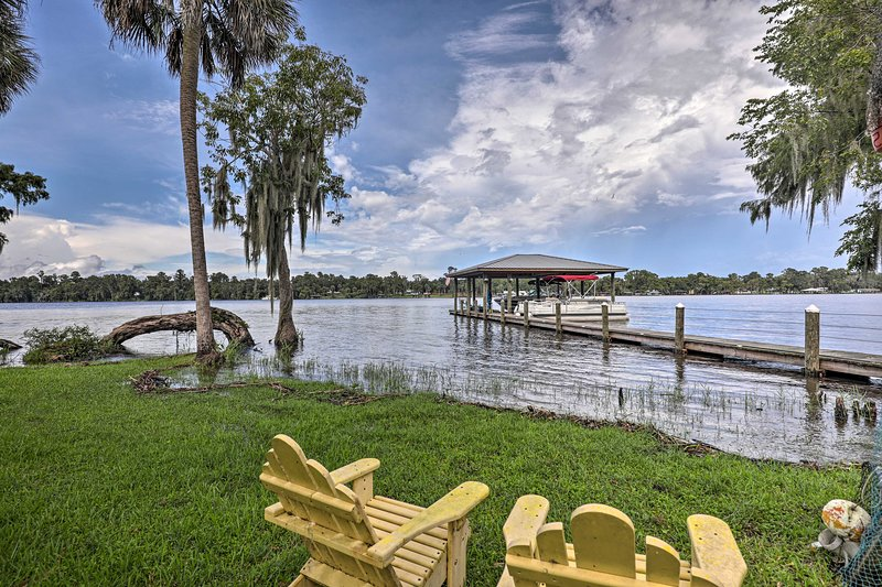 Island Escape w/ Slip & Lift - Boat Access Only!, vacation rental in Satsuma