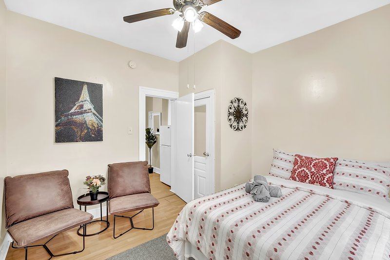 The Lovely Paris Flat in Philadelphia - Perfectly Designed & Centrally Located, vacation rental in Bala Cynwyd