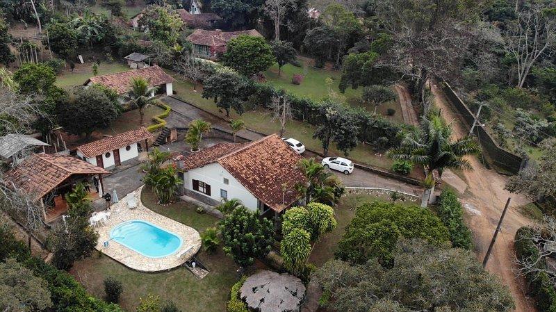 Sítio tranquilo na Serra com Piscina, Área Gourmet e Internet, location de vacances à Tres Rios