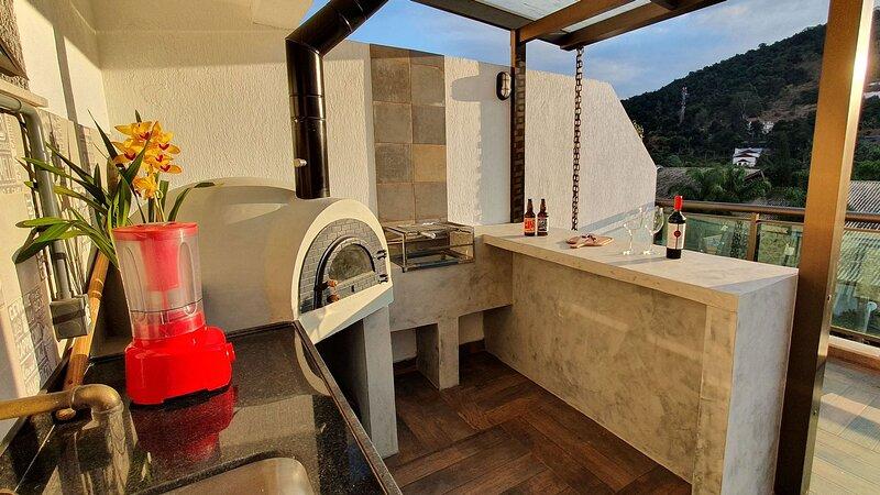 Cobertura duplex com área gourmet no coração de Itaipava, location de vacances à Araras