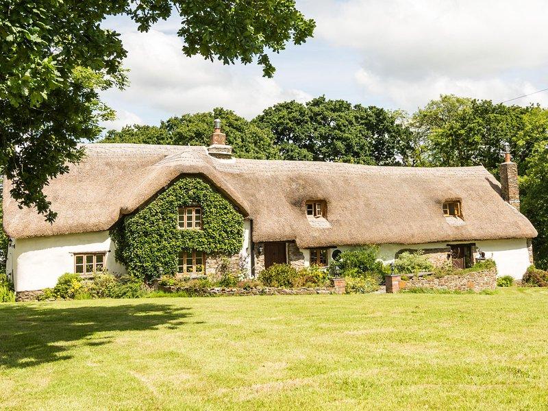 Farmhouse Cottage - Hay Meadow Farm, vacation rental in Clawton