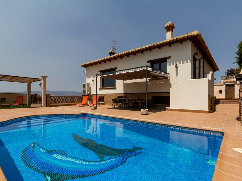 Stunning house with views, pool and terrace, holiday rental in Niguelas