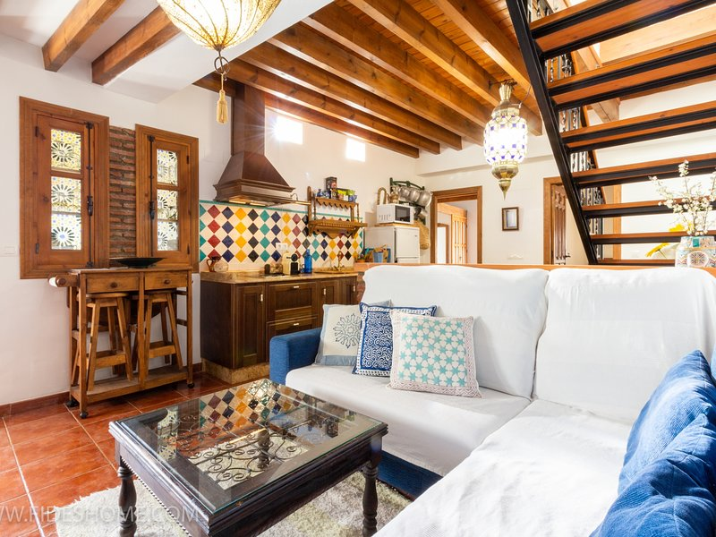 Nice rustic house with charm in Nigüelas, holiday rental in Niguelas