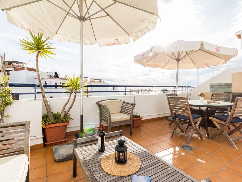 Duplex penthouse with views in La Herradura, holiday rental in La Herradura