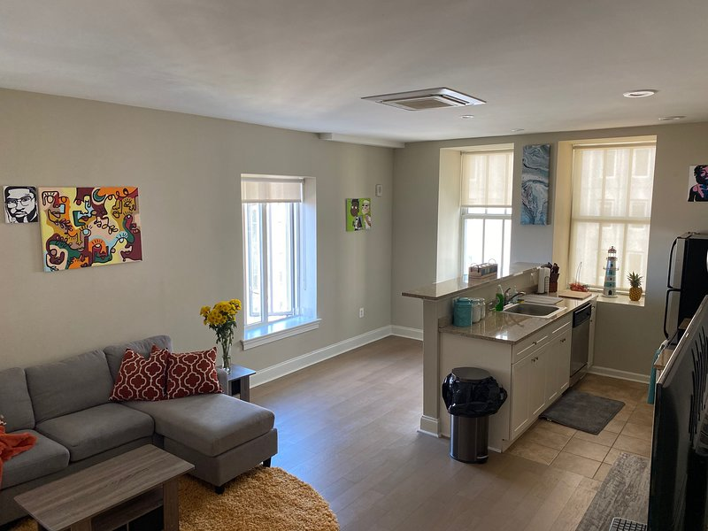 Chic Downtown Condo Baltimore w/ Parking/View, location de vacances à Glen Arm