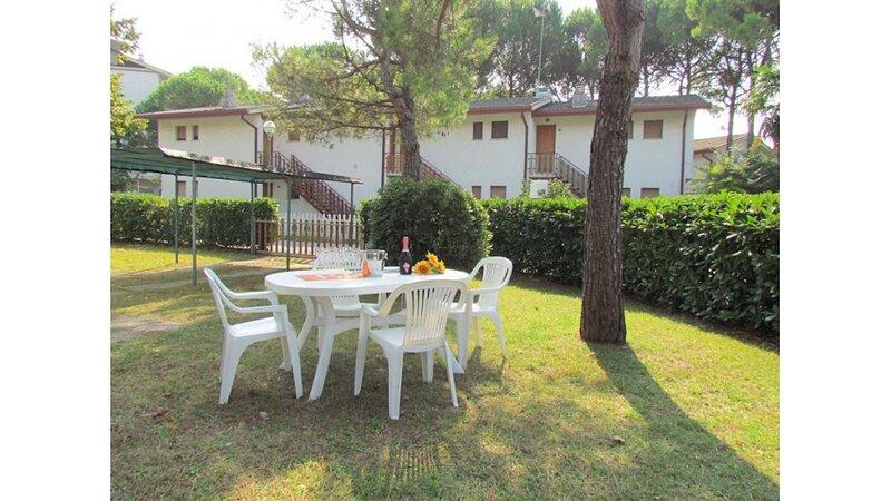 Nice villa close to the beach - Private beach place included, vacation rental in Teglio Veneto