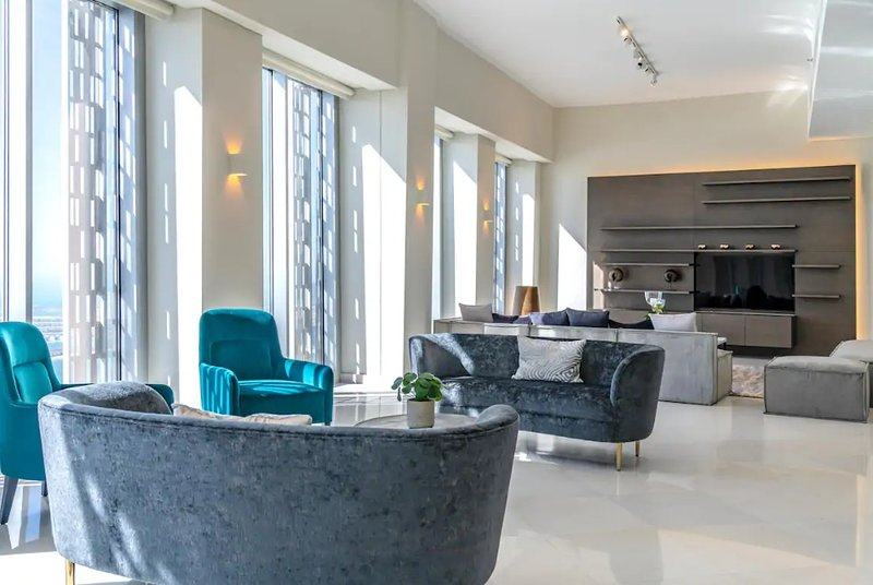 Penthouse with Stunning Views, Cayan Tower, alquiler de vacaciones en Ajman