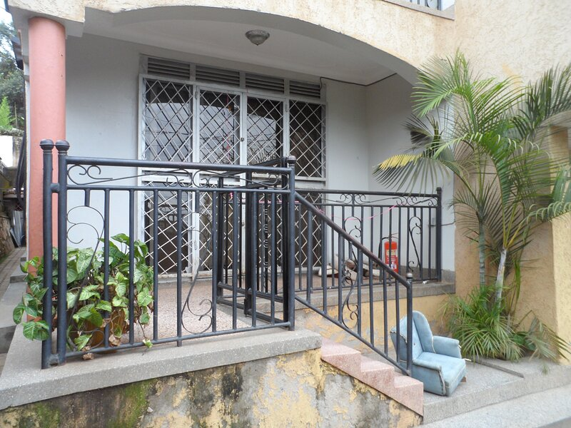 3 Bedrooms Apartment for Rent in Kansanga,Ggaba Road, holiday rental in Kampala