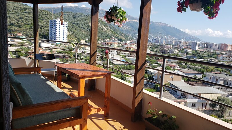 Modern Apartment/quiet house, holiday rental in Vlore