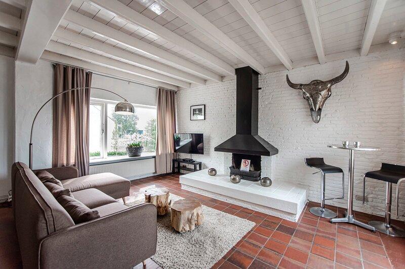 Zandvoort North Spacious 3 bedroom apartment, holiday rental in Bloemendaal