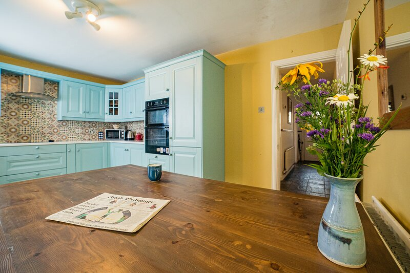 'The Heart of Westport' 3 Bedroom Private House in Westport Town Centre – semesterbostad i County Mayo