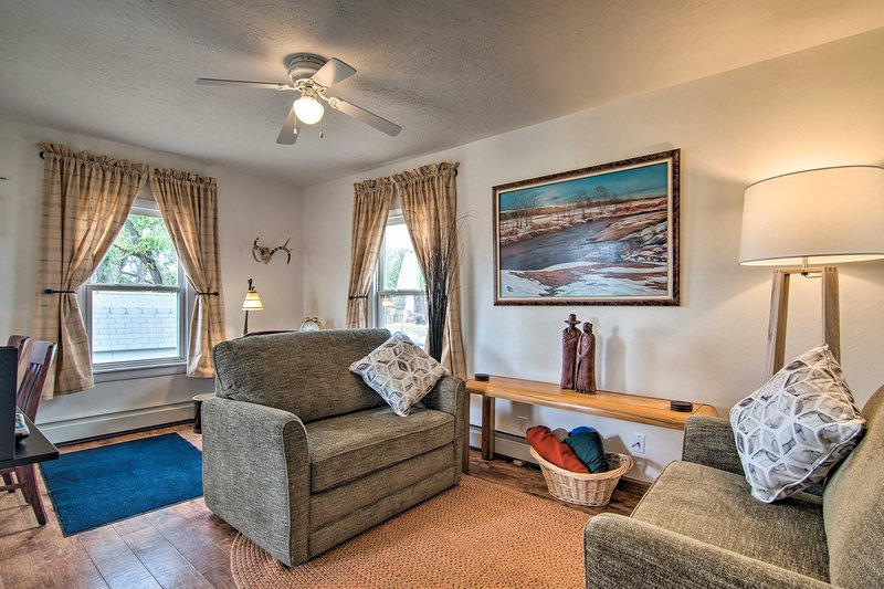NEW Red Gates Cottage 3 Miles to University, holiday rental in Laramie