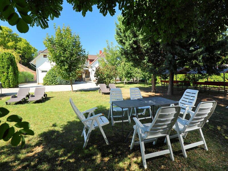 Moni, holiday rental in Balatonszemes