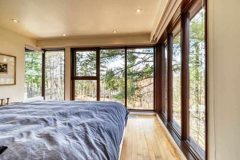 #622 Must See! Gorgeous  House in Wooded Area, location de vacances à Lotbiniere