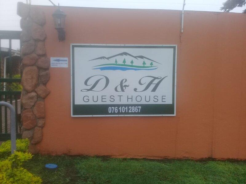 D & H Guesthouse Graskop Apt 10 Standard, aluguéis de temporada em Moremela