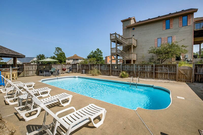 Our Happy Place | Dog Friendly, Private Pool, Hot Tub | Kitty Hawk, location de vacances à Point Harbor