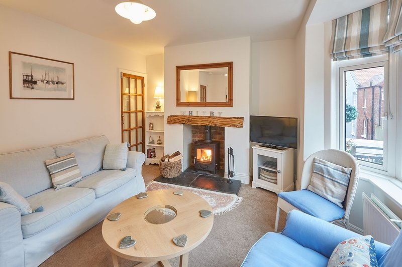 Tenby Cottage, holiday rental in Whitby