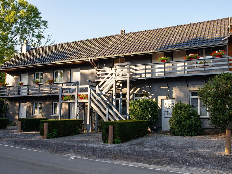 Luxurious Pet-friendly Holiday Home in Theux, vacation rental in Limbourg