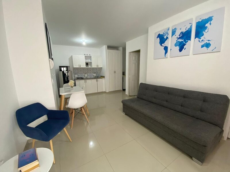 Precioso apartamento en Ciudad Jardín - Vista a la piscina desde el balcón, casa vacanza a Jamundi